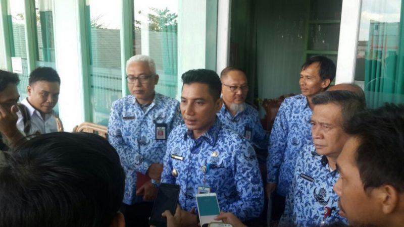 Bupati Kotim, H. Supian Hadi, menjelaskan dibentuknya Tim Pengawas RSUD dr Murjani Sampit, Rabu (17/01/2018)