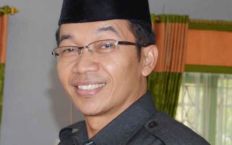 Bupati Mura Drs Perdie MA.