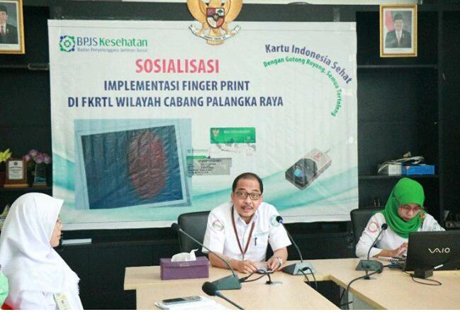 Kepala BPJS Kesehatan Cabang Palangka Raya Muhammad Masrur Ridwan saat memberikan penjelaskan kepada peserta sosialisasi Senin (6/5).