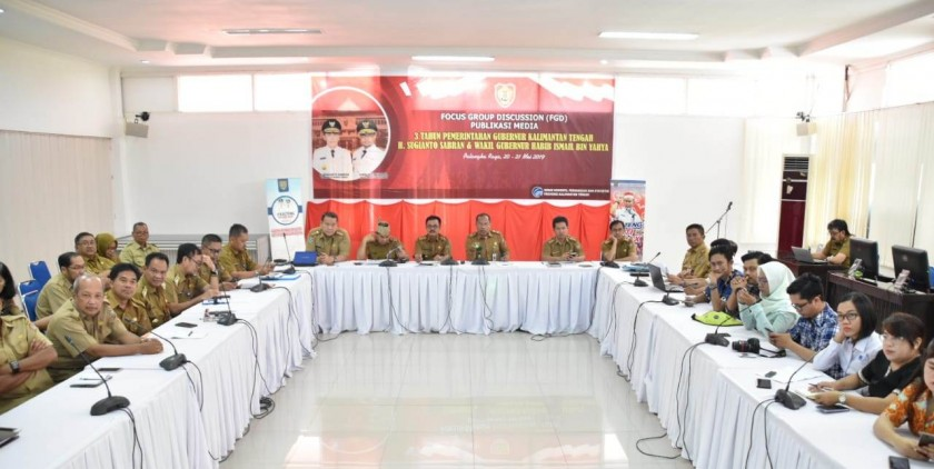 Sejumlah Kepala SOPD Kalteng dan awak media, saat mengikuti FGD di Aula Bappedalitbang, Selasa (21/5/2019).