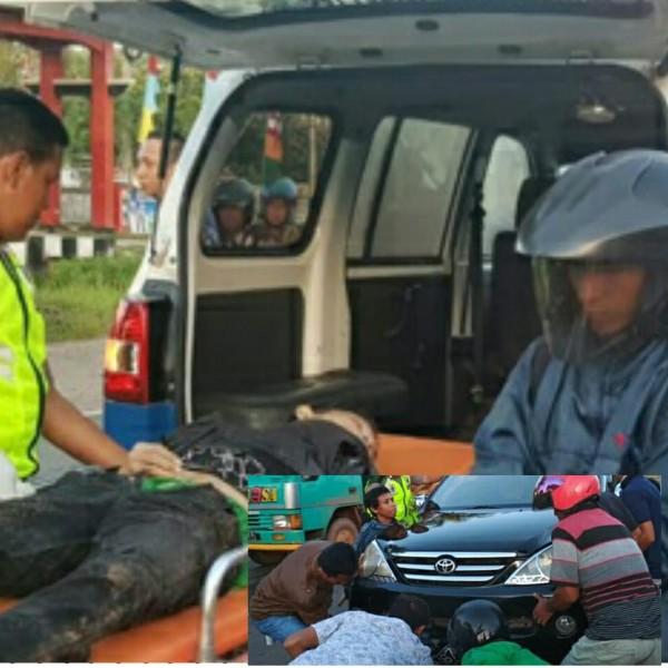 Korban saat dievakuasi petugas kepolisian ke RSUD Murjani Sampit. Insert warga dan anggota polisi saat mengevakuasi korban ketika terlindas mobil seusai kejadian Jumat (31/5).