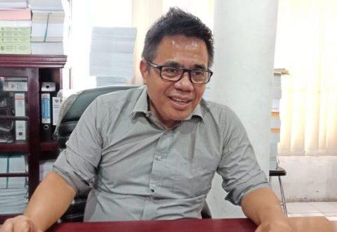 Anggota DPRD Kota Palangka Raya Alfian Batnakanti saat memberikan keterangan kepada awak media.