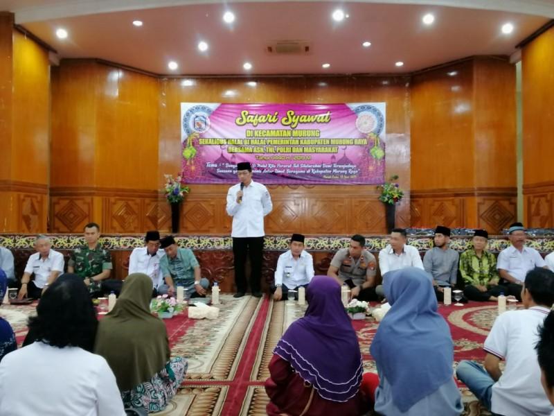 Bupati Mura Drs Perdie Yoseph MA saat menyampaikan sambutannya di kegiatan Safari Syawal di Kecamatan Murung Selasa (12/6/2019).
