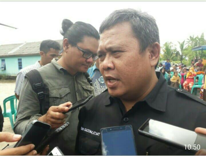 Plt Keadis PUPR Kobar Juni Gultom saat memberikan keterangan kepada awak media Sabtu (15/6/2019).