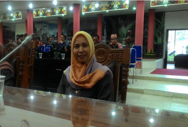 Anggota DPRD Kota Palangka Raya Hj Mukarramah.