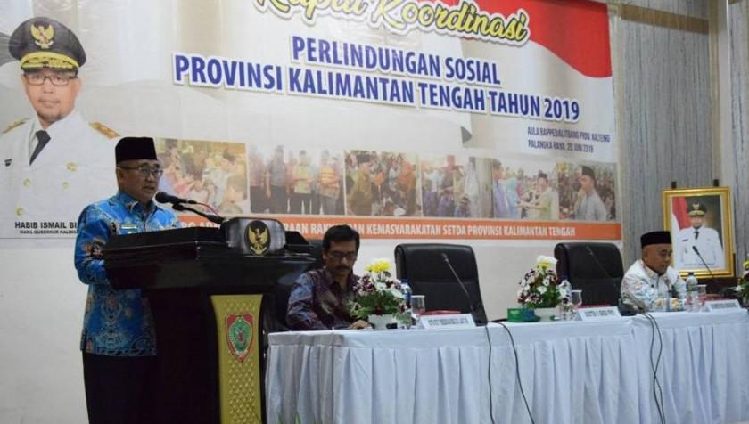 Asisten II Bidang Administrasi Perekonomian dan Pembangunan Setda Provinsi Kalimantan Tengah  Nurul Edy saat menyampaikan sambutan gubernur, Kamis (20/6/2019).