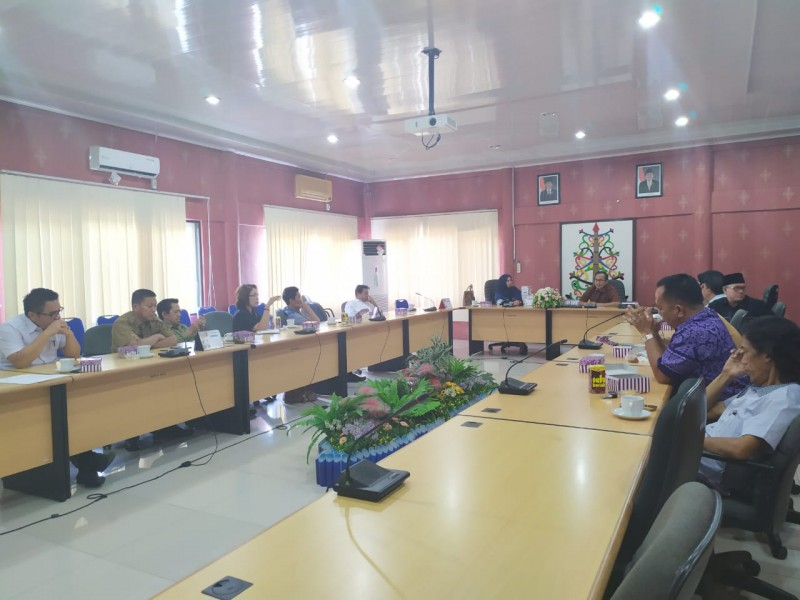 Tiga komisi di DPRD Kota Palangka Raya saat menggelar rapat Senin (24/6/2019).