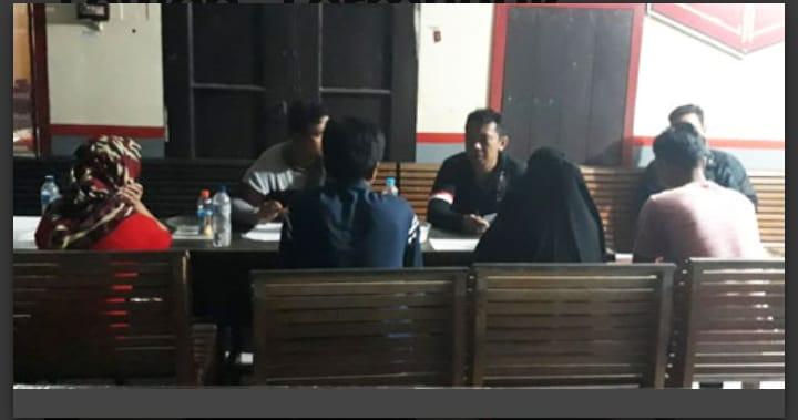 Kedua pasangan mesum saat diamankan di Mapolres Barut Kamis (27/6/2019).