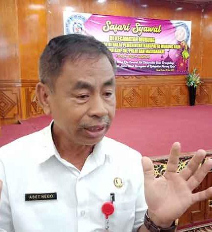 Kepala Kesbangpol Mura Abet Nego saat memberikan keterangan kepada awak media Rabu (12/6/2019).