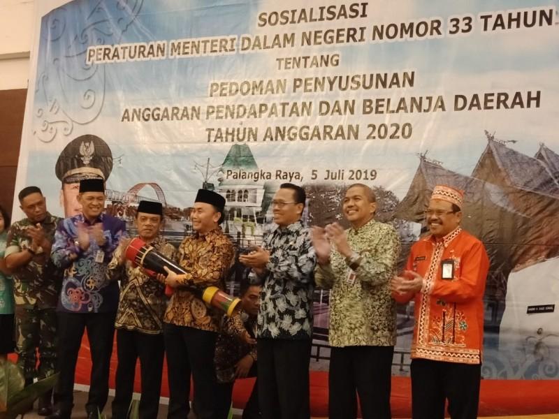 Gubernur Kalteng Sugianto Sabran saat membuka kegiatan sosialisasi, Jumat (5/7/2019).