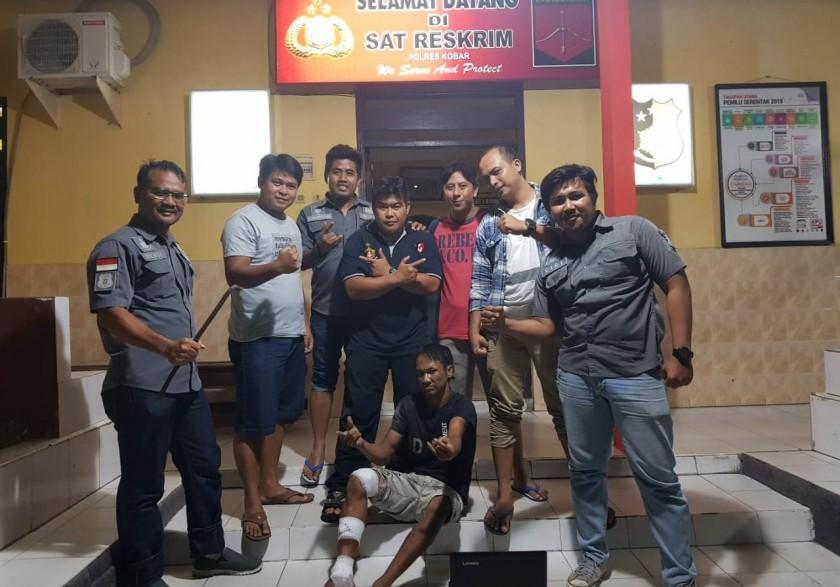 Tersangka Udin Pocong saat diamankan anggota Buser Polres Kobar, Selasa (9/7/2019) malam.
