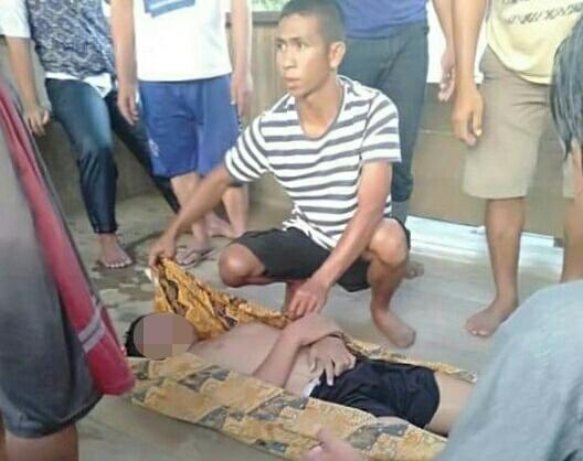 Jasad korban saat ditemukan dan dievakuasi warga, Selasa (16/7/2019).