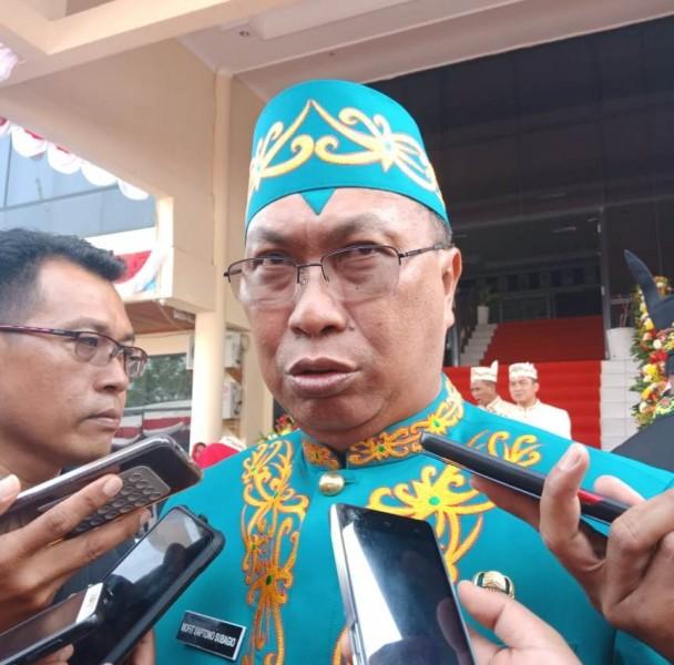Kepala BPBD Kalteng Mofit Saptono saat memberikan keterangan kepada awak media, Rabu (17/7/2019).