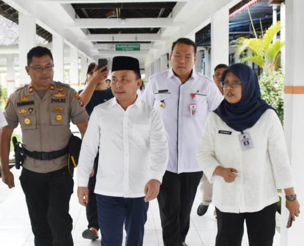Gubernur Kalteng Sugianto Sabran saat meninjau RSUD Doris Sylvanus Palangka Raya belum lama ini.