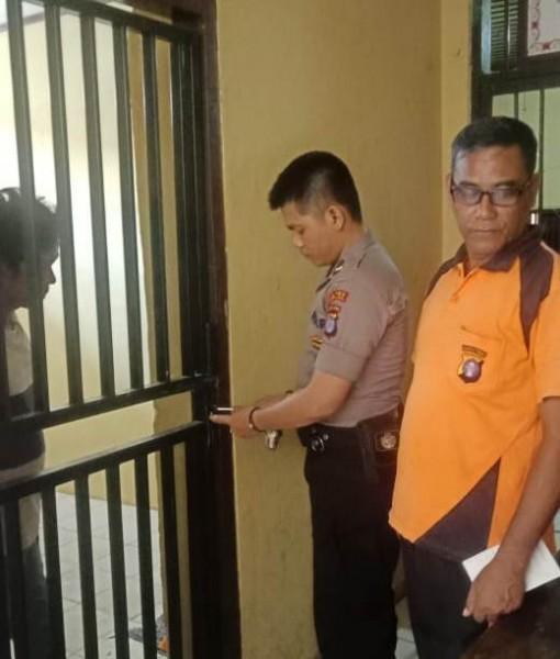 Tersangka Saleh saat masih berada diruang tahanan Polresta Palangka Raya Jumat (30/8/2019).