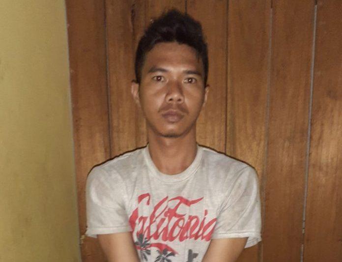 Pelaku saat diamankan di Mapolsek Dusun Tengah Bartim Jumat (30/8/2019).