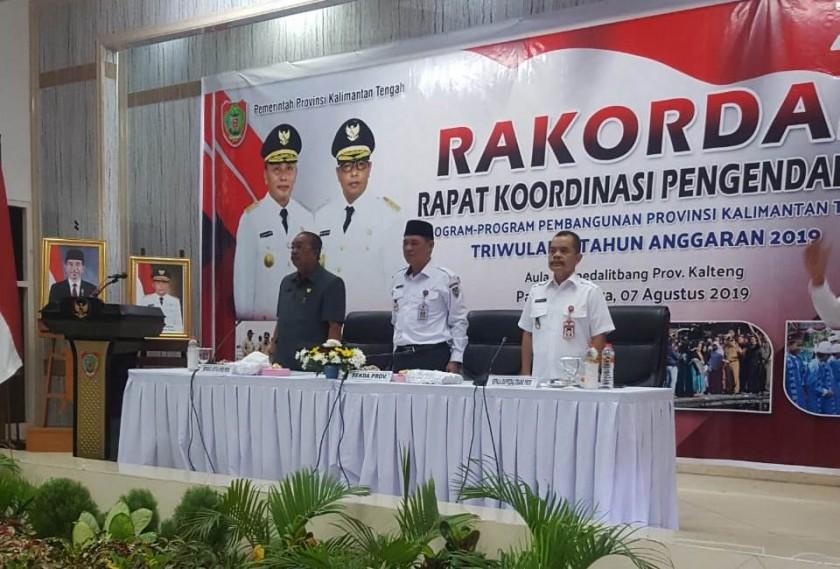 Sekda Kalteng Fahrizal Fitri saat menghadiri kegiatan rakordal Rabu (7/8/2019).