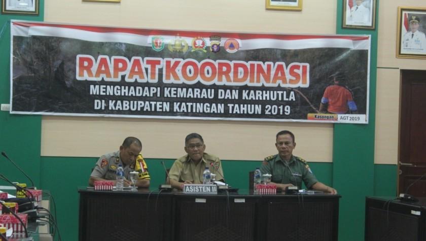 Asisten II Setda Katingan Ahmad Rubama saat memimpin rakor di ruang rapat Bupati Katingan Rabu (7/8/2019).