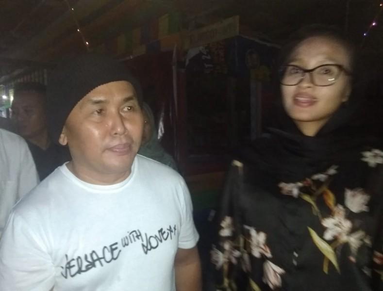 Gubernur Kalteng Sugianto Sabran beserta istri Yulistra Ivo ketika mengunjungi wisata Lorong Rindu Minggu (11/8/2019).