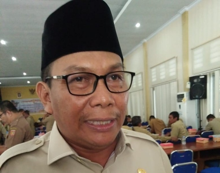 Anggota DPRD Kobar Bambang Suherman saat memberikan keterangan kepada awak media, Selasa (13/8/2019).