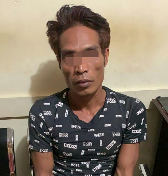Pelaku saat diamankan di Mapolsek Banama Tingang Kamis (15/8/2019).