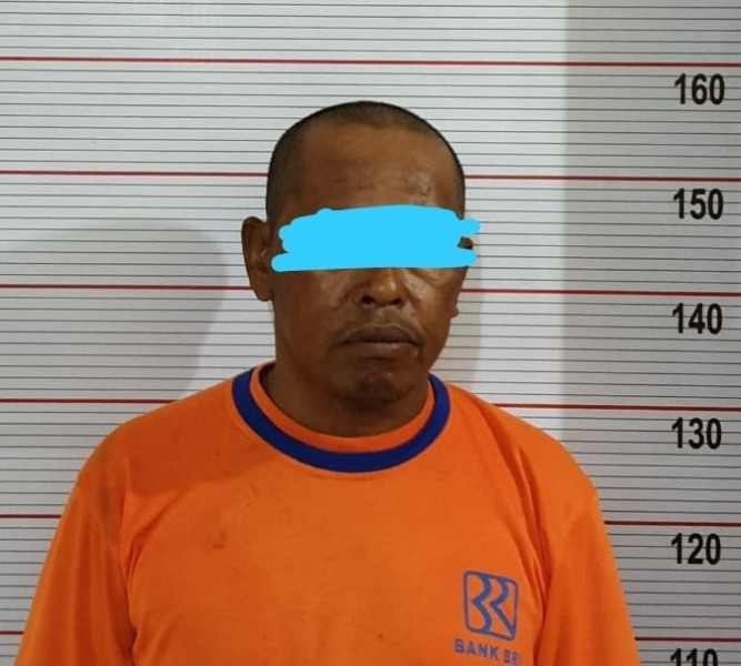 Tersangka saat diamankan di Mapolres Kobar Rabu (21/8/2019).