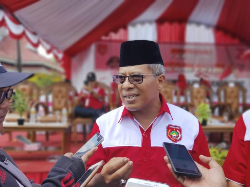Sekda Kobar Suyanto saat memberikan keterangan kepada awak media.