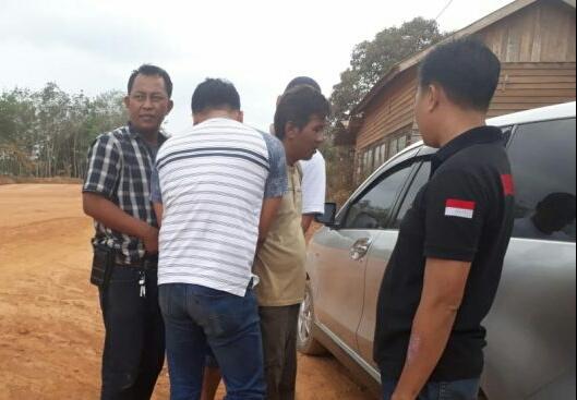 IST Polsek Banteng - Pelaku saat diringkus anggota Polsek Pangkalan Banteng Sabtu (24/8/2019).