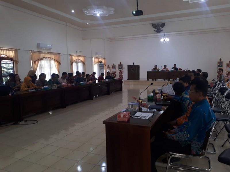 Unsur SOPD Pemkab Barsel saat menggelar rapat kick of meeting di Aula Kantor Bappeda Barsel, Kamis (29/8/2019).