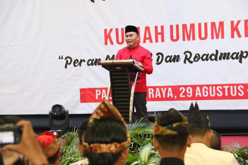 Gubernur Kalteng Sugianto Sabran saat memberikan motivasi ketika menghadiri Rakornas ke-XIV KMHDI di Ballroom Hotel Bahalap, Kamis (29/08/2019) sore.