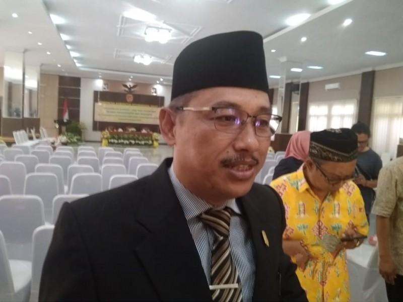 Ketua Sementara DPRD Kobar Rusdi Ghozali saat memberikan keterangan kepada awak media, Jumat (30/8/2019).