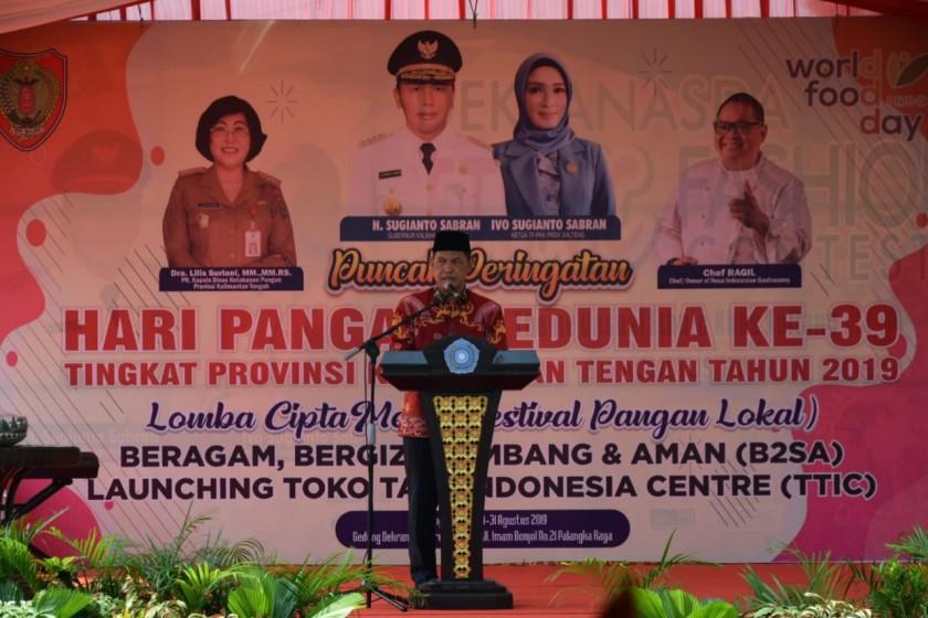 Sekda Kalteng Fahrizak Fitri saat menyampaikan sambutannya saat meresmikan launcing TTI Center di hari puncak Hari Pangan Sedua dan Lomba Cipta Menu Sabtu (31/8/2019).