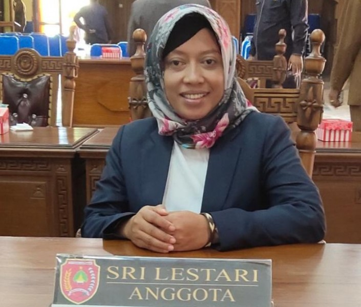 Anggota DPRD Kabupaten Kobar Sri Lestari