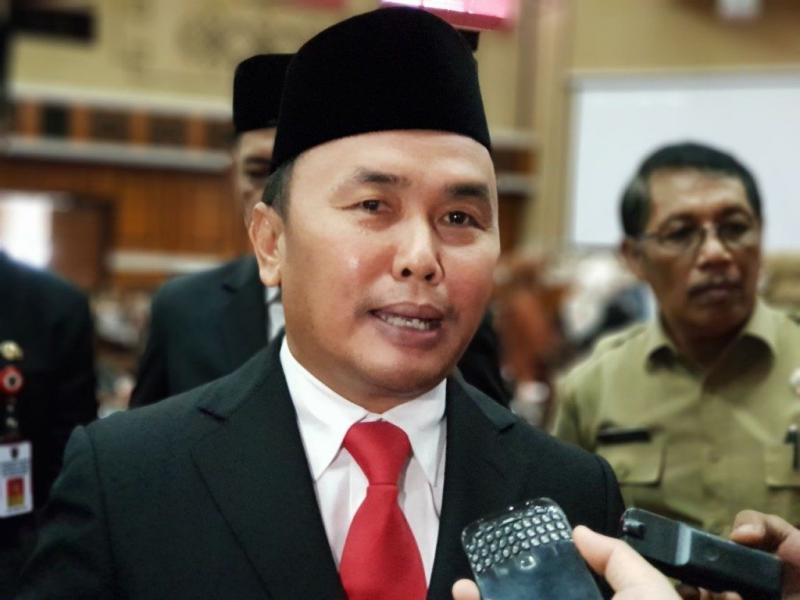 Gubernur Kalteng H Sugianto Sabran saat memberikan keterangan kepada awak media.