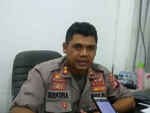Kabid Humas Polda Kalteng Kombes Pol Hendra Rochmawan saat memberikan keterangan kepada awak media.