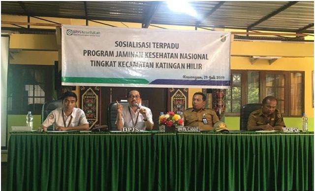 Kepala BPJS Kesehatan Cabang Palangka Raya M. Masrur Ridwan saat memberikan pemahaman kepada masyarakat yang hadir pada kegiatan sosialisasi, Senin (29/7/2019).