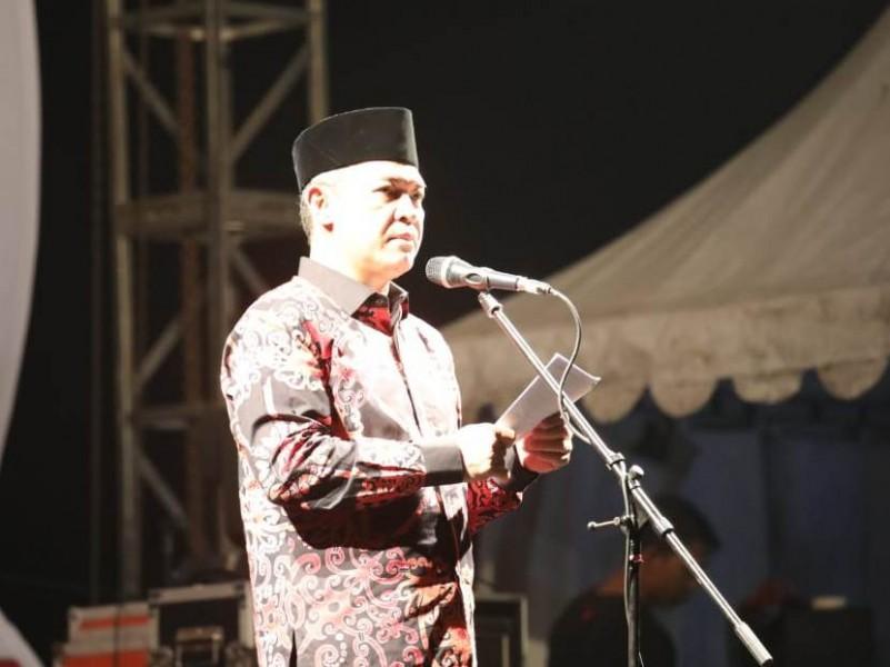 Sekda Kalteng Fahrizal Fitri saat menyampaikan sambutan Gubernur Kalteng Sugianto Sabran ketika membuka Kalteng Trade Expo Sabtu (7/92019) malam.
