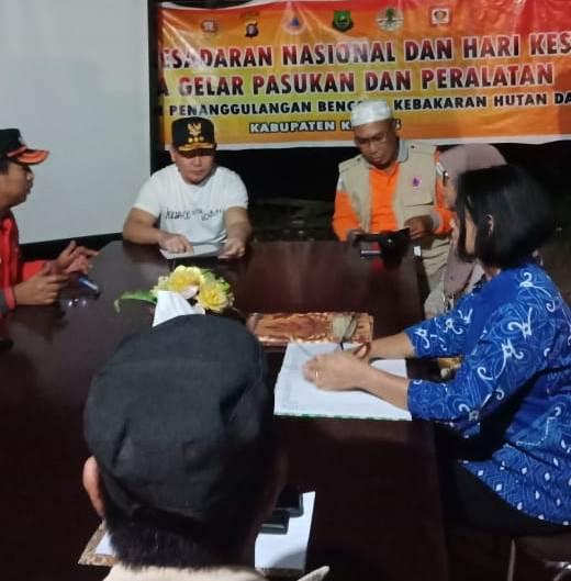 Gubernur Kalteng Sugianto Sabran saat memimpin rakor penanganan karhutla saat mengunjungi Kabupaten Kapuas Senin (16/9) malam.