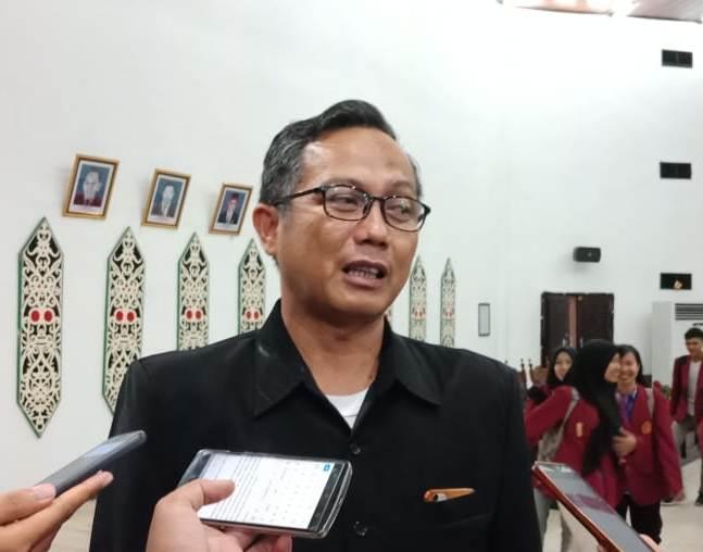 Ketua Komisi C Beta Syailendra saat memberikan keterangan kepada awak media.