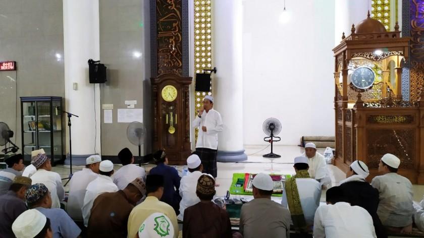 Wabup Mura Rejikinoor saat memberikan sambutannya pada kegiatan Mura Berzikir memperingati 1 Muharram 1441 Hijriah Minggu (1/9/2019).