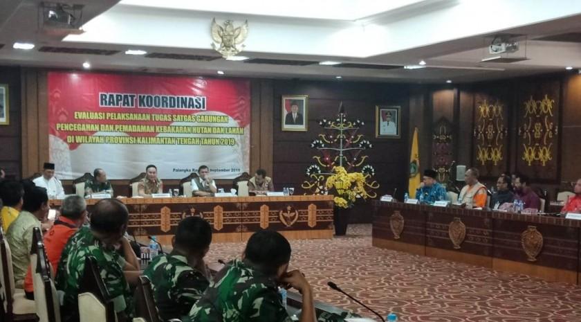 Gubernur Kalteng Sugianto Sabran saat memimpin rakor evaluasi dan koordinasi satgas karhutla Jumat (6/9/2019).