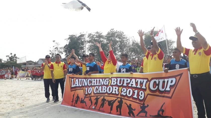 Bupati Kobar Hj Nurhidayah saat melanching Bupati Cup 10 Cabor Minggu (8/9/2019).