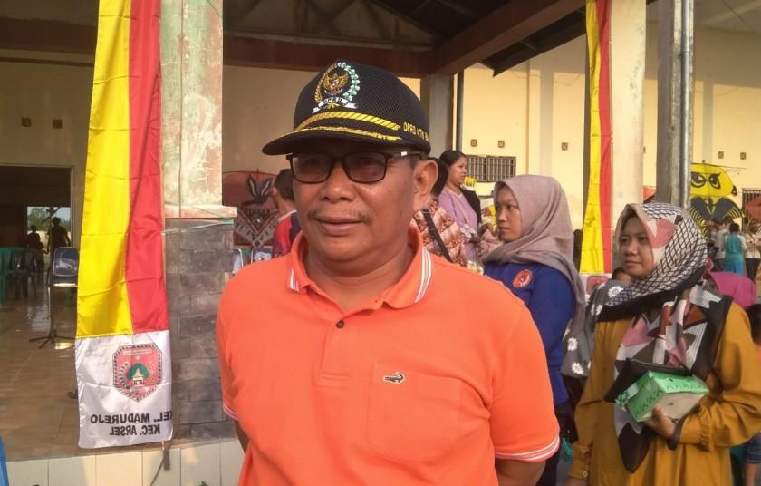 Anggota DPRD Kobar Bambang Suherman saat memberikan ketarangan kepada awak media Senin (9/9/2019).