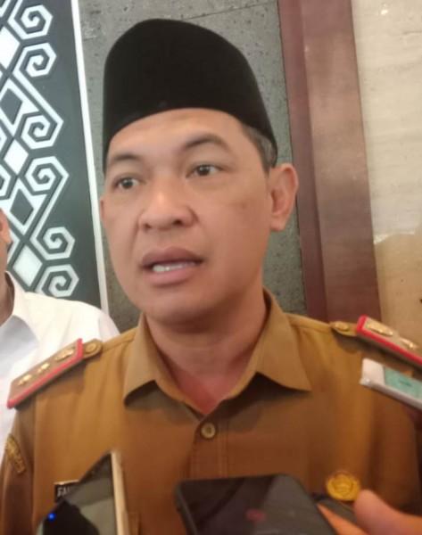 Sekda Kalteng Fahrizal Fitri saat memberikan keterangan Senin (9/9/2019).