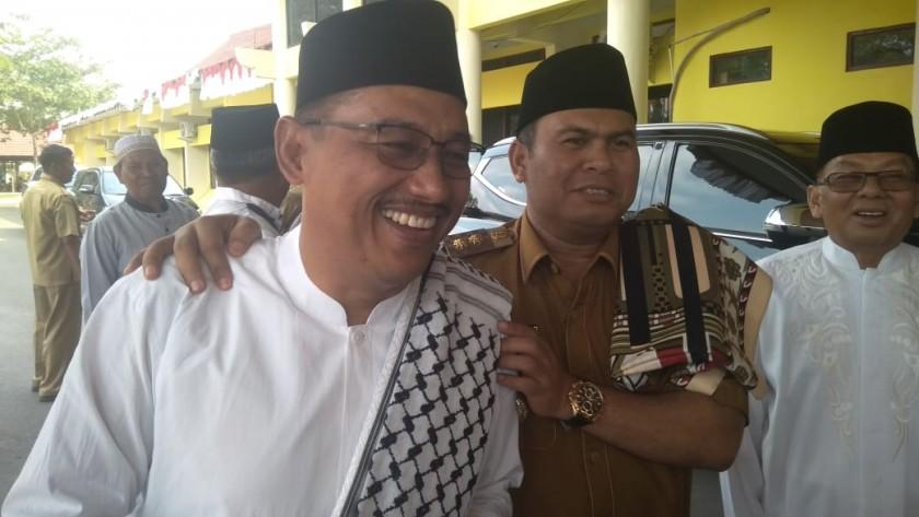 Ketua Sementara DPRD Kobar Rusdi Gozali bersama Wabup Kobar Ahmadi Riansyah dan Tokoh Masyarakat H Ruslan seusai salat istisqa Selasa (10/9/2019).