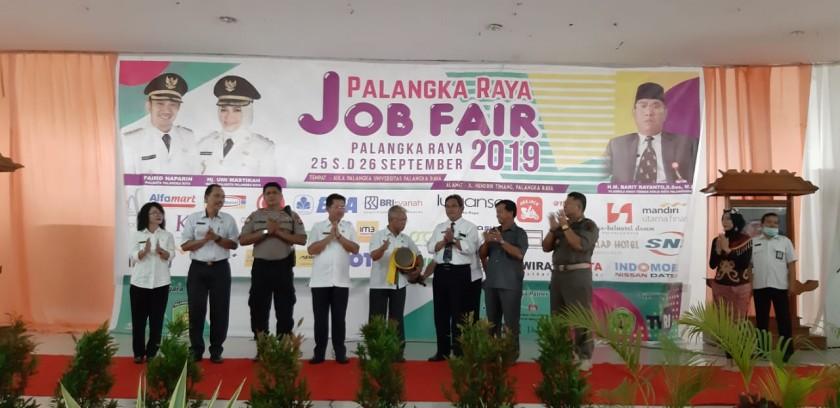 Kegiatan Job Fair 2019 saat dibuka secara resmi Rabu (25/9/2019).