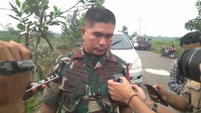 Dandim 1014 Pangkalan Bun Letkol Inf Yudi Rianto Ratu saat memberikan keterangan kepada awak media, Sabtu (28/9/2019).
