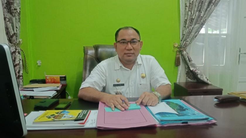 Camat Murung Banjang Jalin saat memberikan keterangan kepada awak media, Senin (30/9/2019).