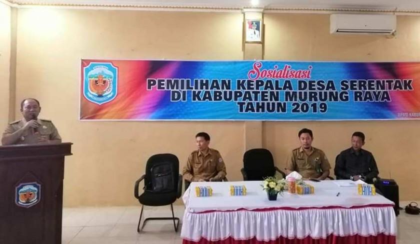 Camat Murung Banjang Jalin saat menyampaikan sambutan arahannya ketika menghadiri kegiatan sosialisasi Pilkades Serentak belum lama ini.