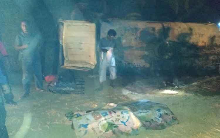 IST - Jasad korban saat masih tergeletak di lokasi kejadian Sabtu (7/9) dini hari tadi.